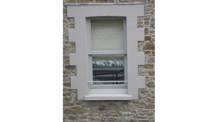 fenêtre guillotine porte spécifique menuiserie calvados